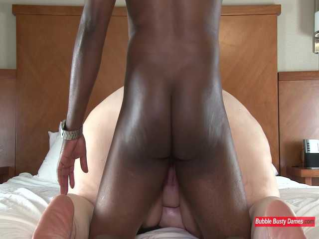 SQUIRTING FOR DUMMIES 2 - NIKKI CAKES Clip 6