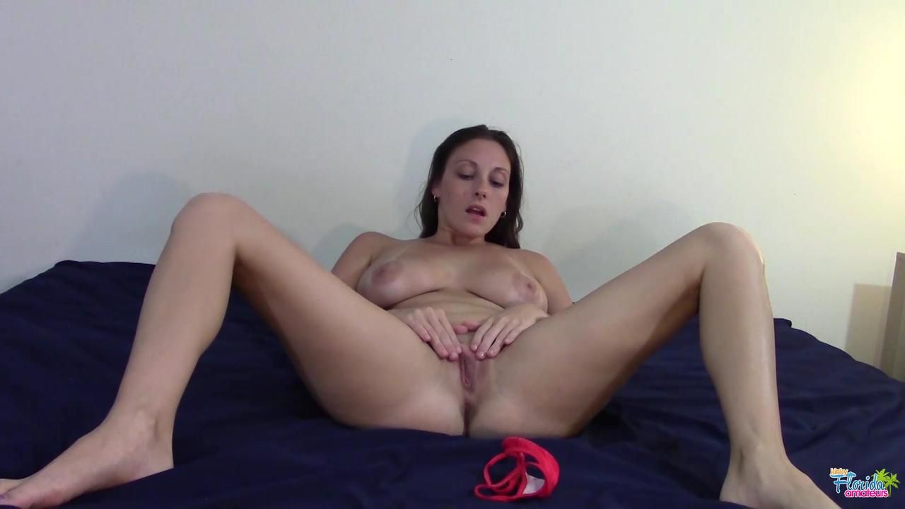 Video - Florida Amateur Melanie Hicks - Panty Play And Masturbation