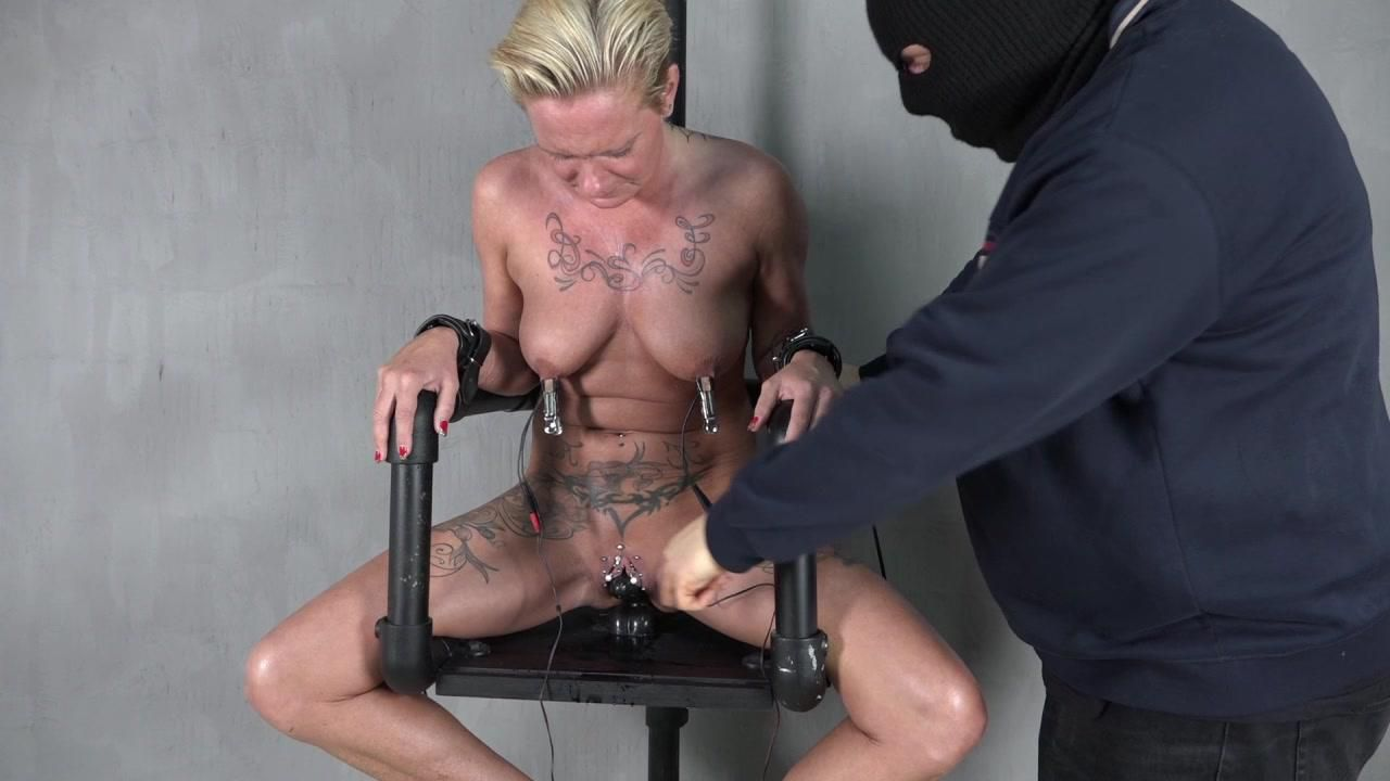 Electric chair under power 3