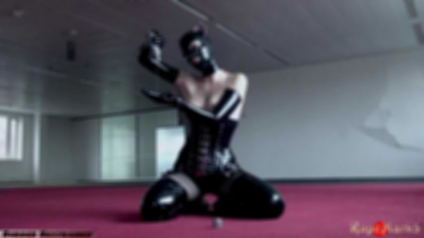Rubber kinbaku kitten - video