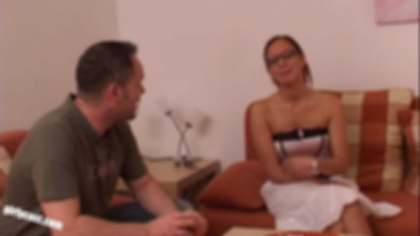Nicole G. cheating her boyfriend at the casting!