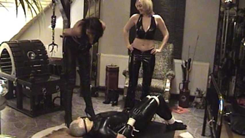 Kinky Couple - Locked up in a chastity belt with an anal plug