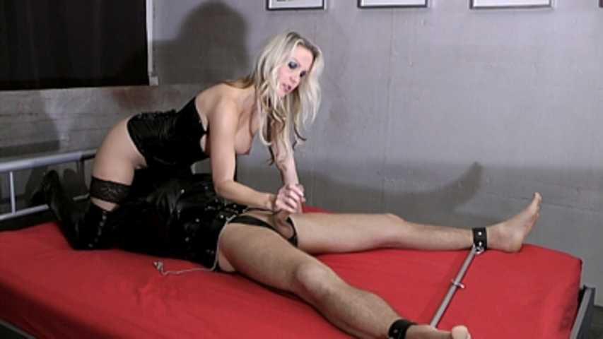 Julia Pink - Femdom Sex