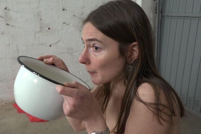 Karina - peeing