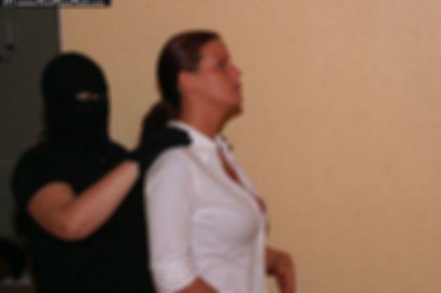 LINA THE CHIEF EXECUTIVE AND THE BURGLAR 3