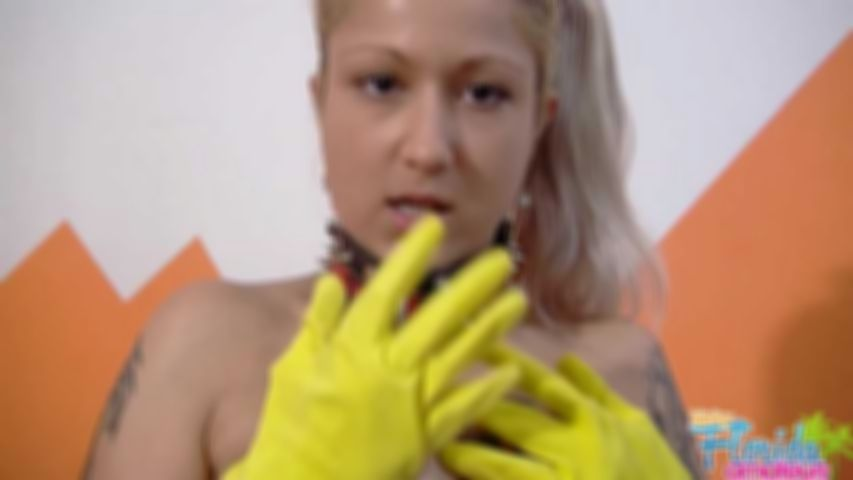Amateur Fetish Beth M Getting Kinky