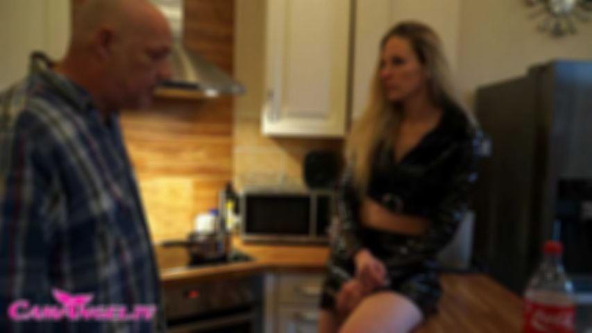 Cuckold Ehemann dreist betrogen - Creampie