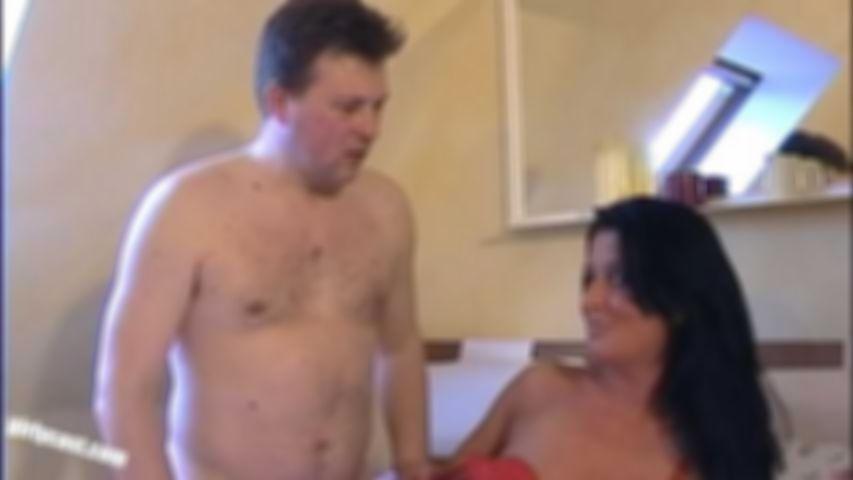 Mirko wird von Nadja unfreiwillig zum Cuckold degradiert