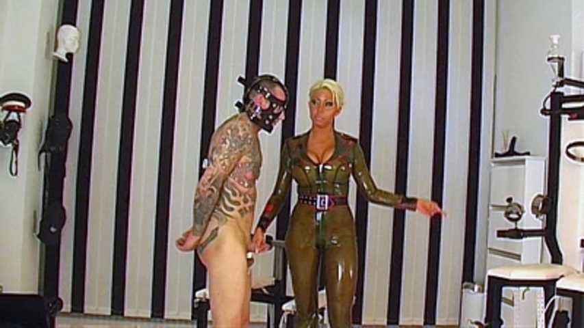 Rubber Goddess Kate - Der Fickomat