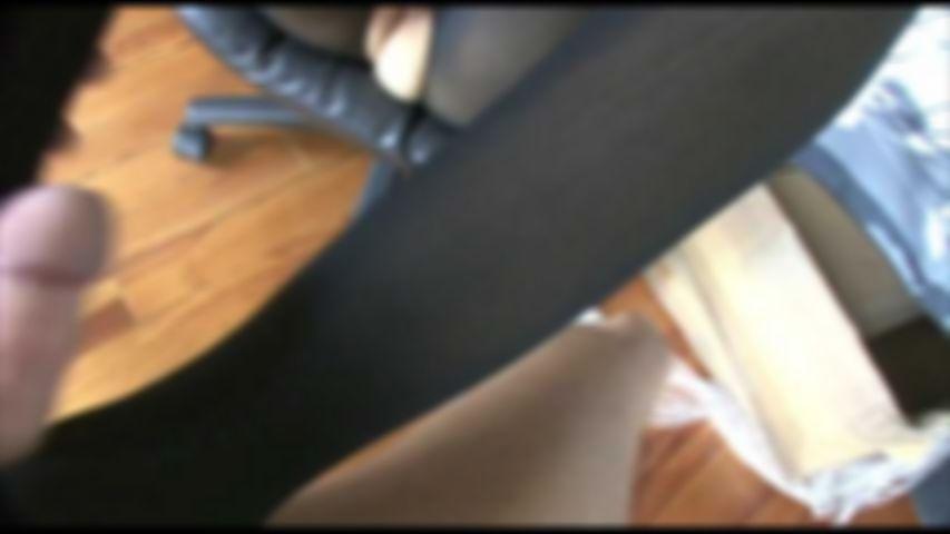 8 Schwarzer Catsuit Nylon Footjob