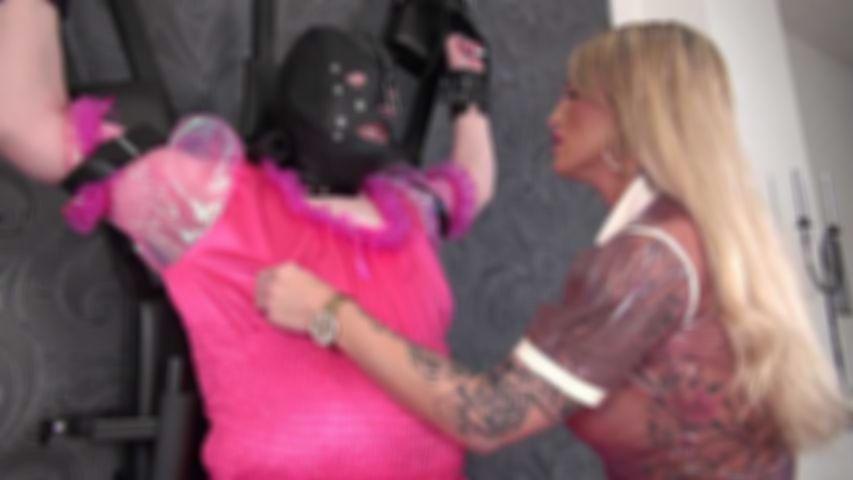 Die Bestrafung der Sissy