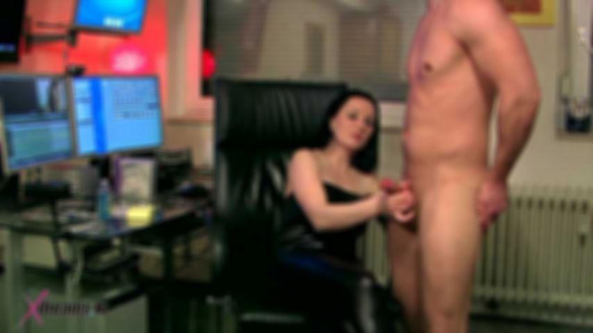 I To Urge Mia, My Hot Stuff Boss To Give Me A Handjob
