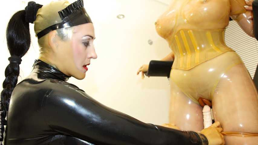 Gummipuppen Training