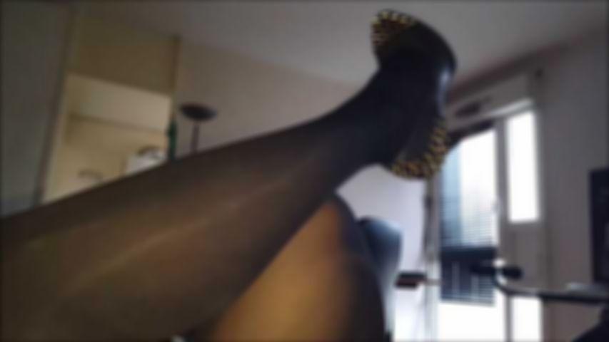 87 High heels pantyhose and cum