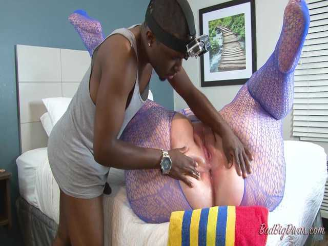 SQUIRTING FOR DUMMIES - NIKKI CAKES Part 2